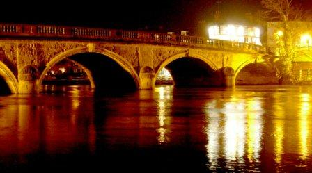 Henley Bridge Night