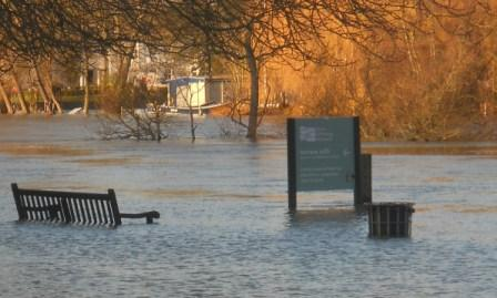 Flooded bench Henley RRM